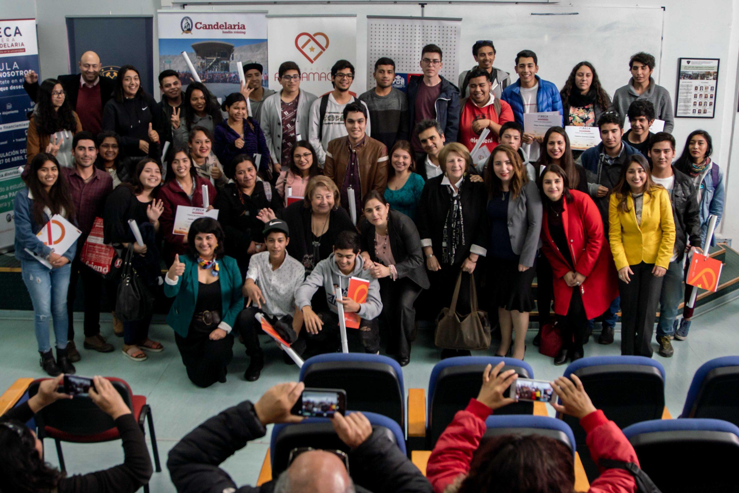 Segunda versión de programa Becas Minera Candelaria beneficiará a más de cien estudiantes de Atacama