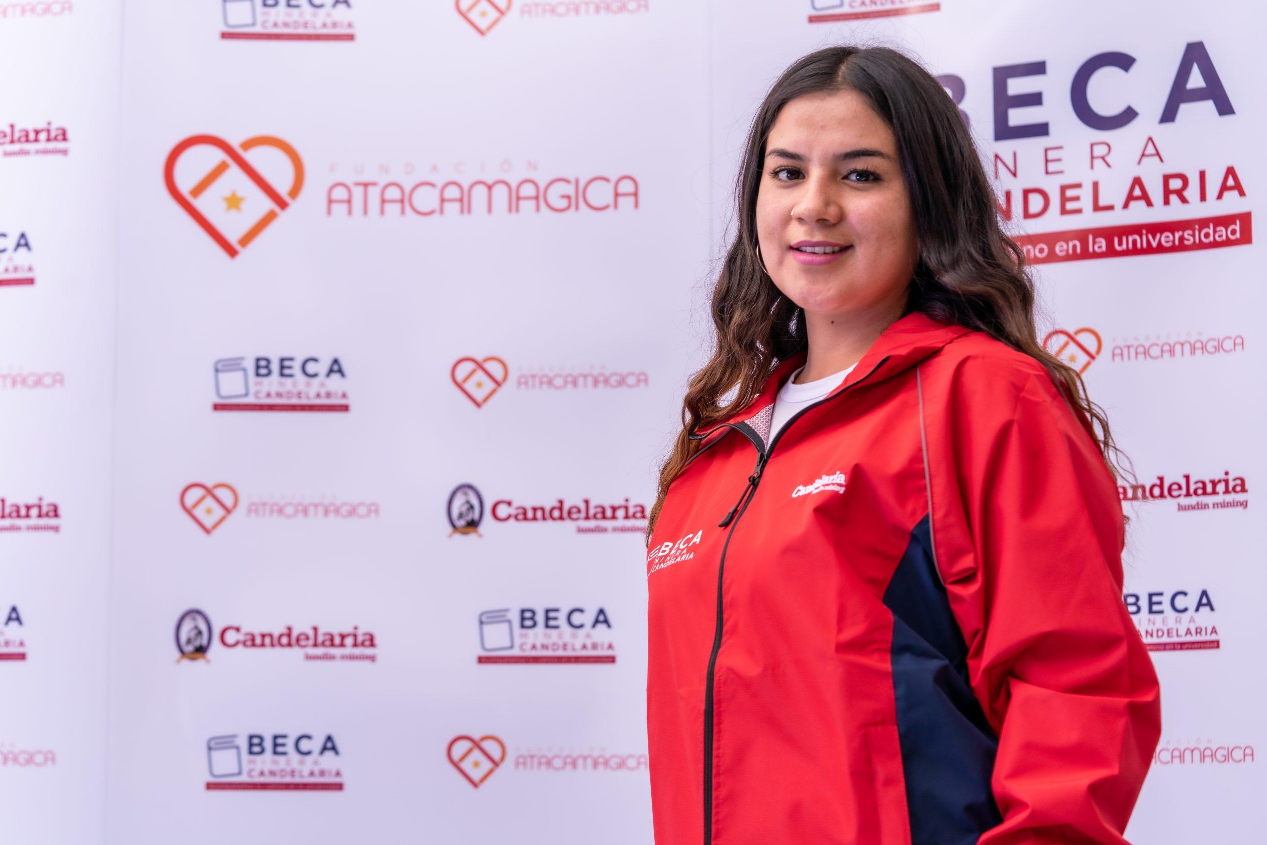 Becaria de minera Candelaria realiza su práctica profesional en fundación Atacamagica